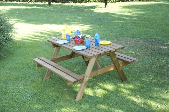 Tavolo da giardino in legno 4 posti con panche om legno for Tavolo cucina 4 posti