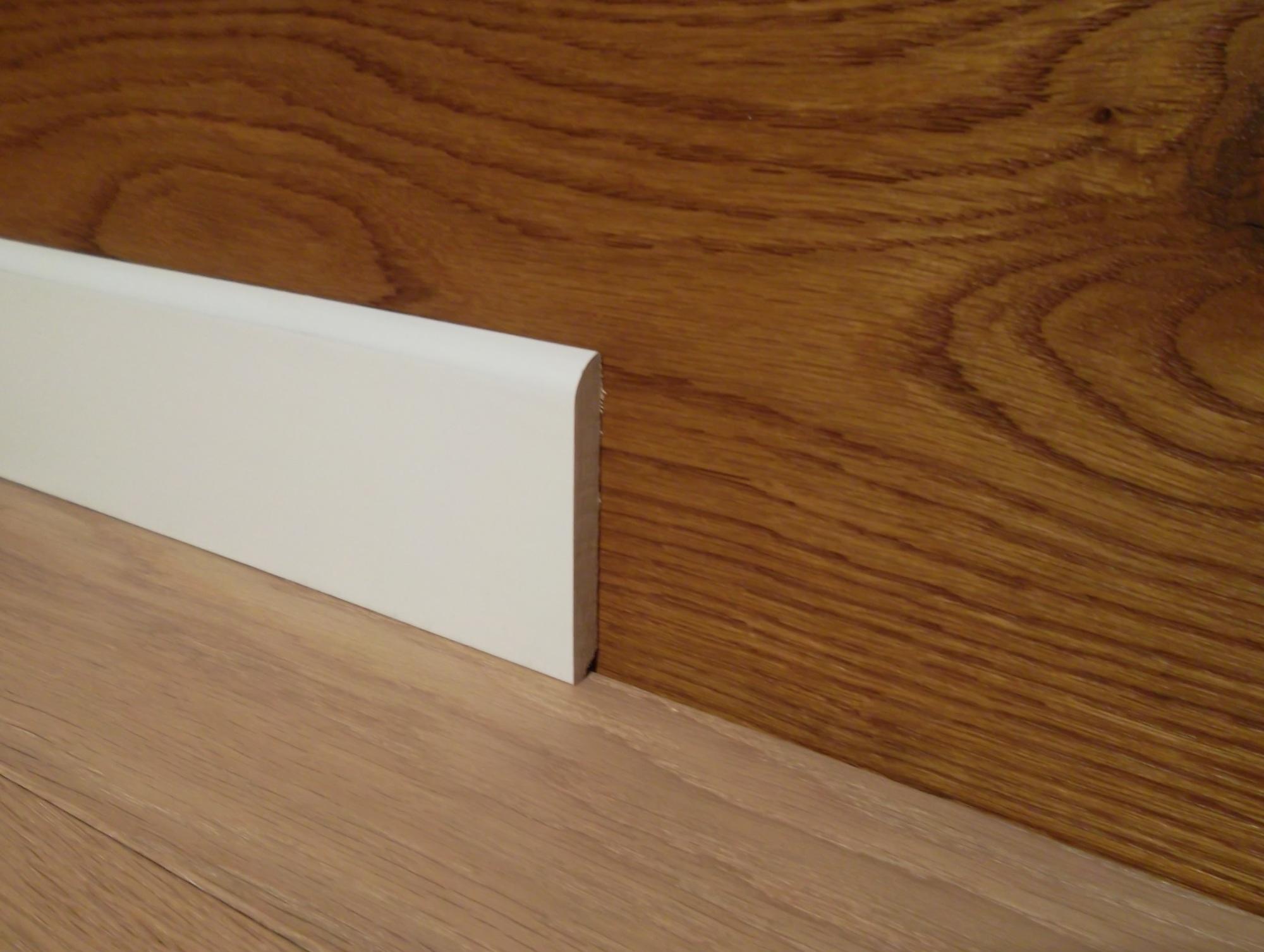 Battiscopa In Legno Bianco battiscopa legno mm 80x10 laccato bianco